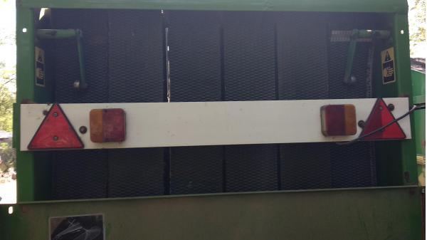 Рулонный пресс-подборщик Jonh Deere 550 (Джон Дир 550)  (сетка)