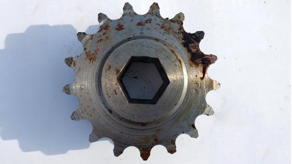 Звездочка 17 зубьев двойная малая (на рулонный JD)
