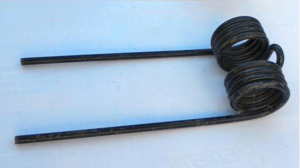 Граблина подборщика (пружина) для пресс-подборщика John Deere (Джон Дир) рулонного типа